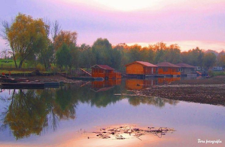 Tiszai horgászház tükör