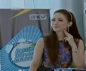Yuanita Christiani adalah sosok wanita cantik kelahiran Jakarta, 14 April 1986. Ia merupakan anak ke dua dari tiga bersaudara.  Yuanita Christiani mengenyam pendidikan SD dan SMP di Seraphine Bakti Utama Jakarta. Lalu wanita cantik tersebut melanjutkan studinya ke SMA Kristen BPK Penabur IV Jakarta, dan lulus pada tahun 2004.