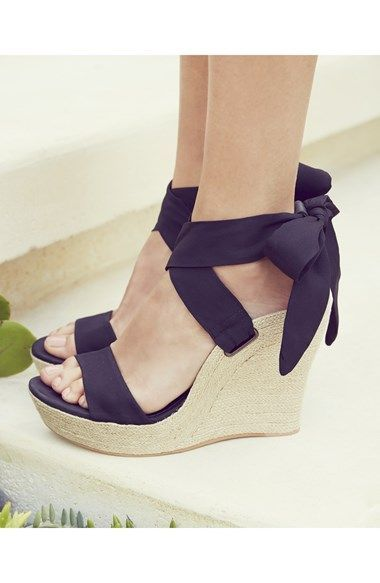 Stunning Summer 2015 Platform Purple Wedges Look.