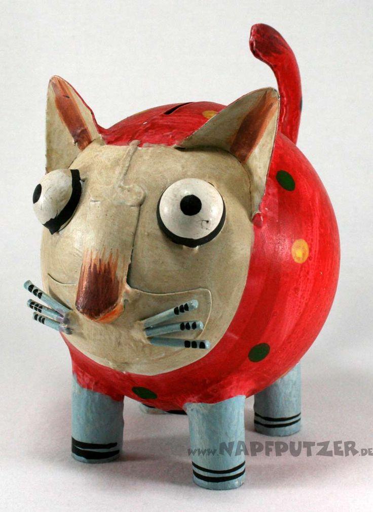 """""""Spardose Katze aus Metall"""" Größe: ca. 18x12x16cm  Die Spardose ist aus Metall, bunt bemalt.  Geldentnahme an der Unterseite möglich."""