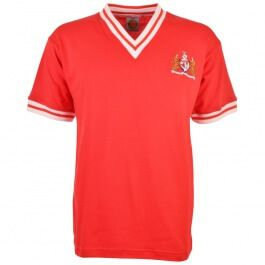 Bristol City 1975-1976 Home Retro Football Shirt Thursday 20th April 2008 is a special date thousands of Robins? fans scattered across the globe, because it marks the 32nd Anniversary of their club?s last promotion to top-flight football. That eveni http://www.MightGet.com/may-2017-1/bristol-city-1975-1976-home-retro-football-shirt.asp
