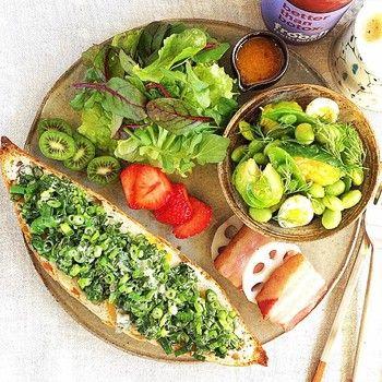 出典: instagram.com(@onecolor.studio) | 枝豆にベビーリーフ、キウイに九条ねぎというグリーンづくしなワンプレート。 目にも体にも優しいですね。