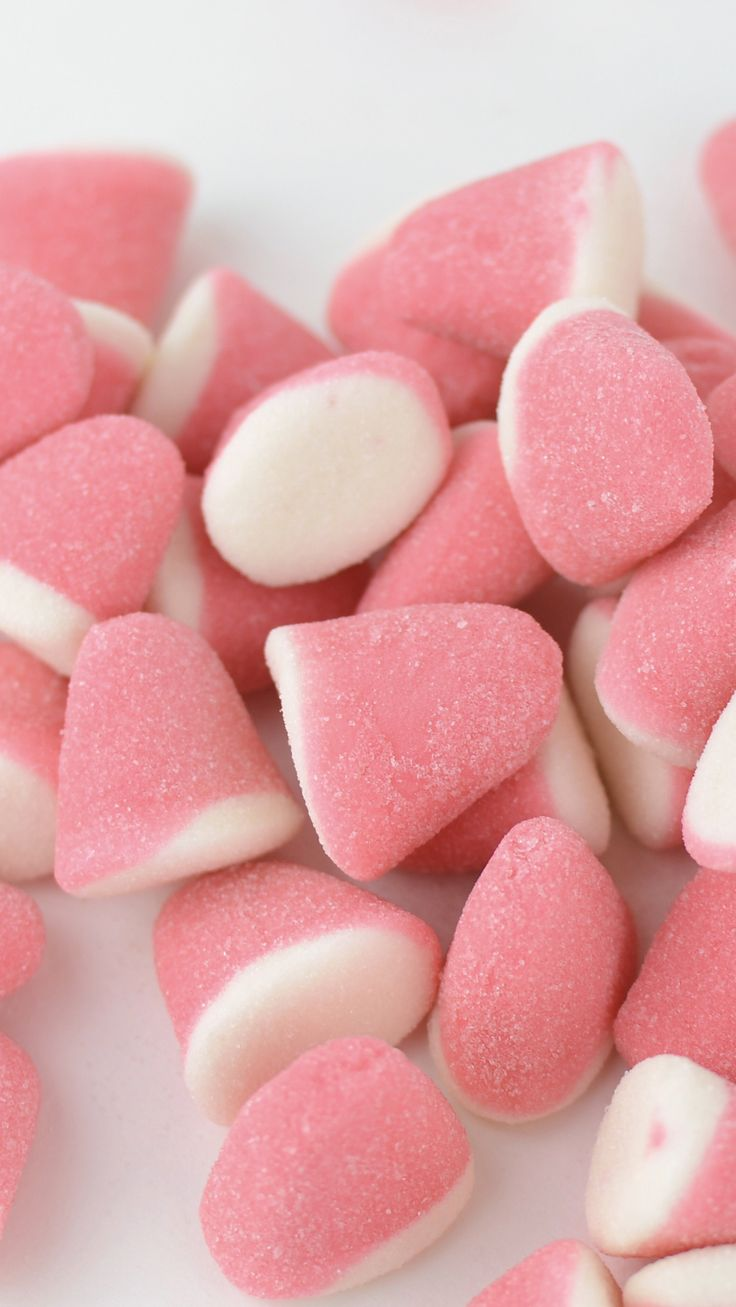 Sink your teeth into these Strawberry & Cream Gummy Drops.  Can you taste it?
