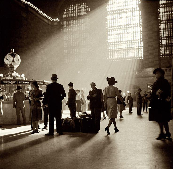 Terminal Grand Central de Nueva York -1941.- John Collier