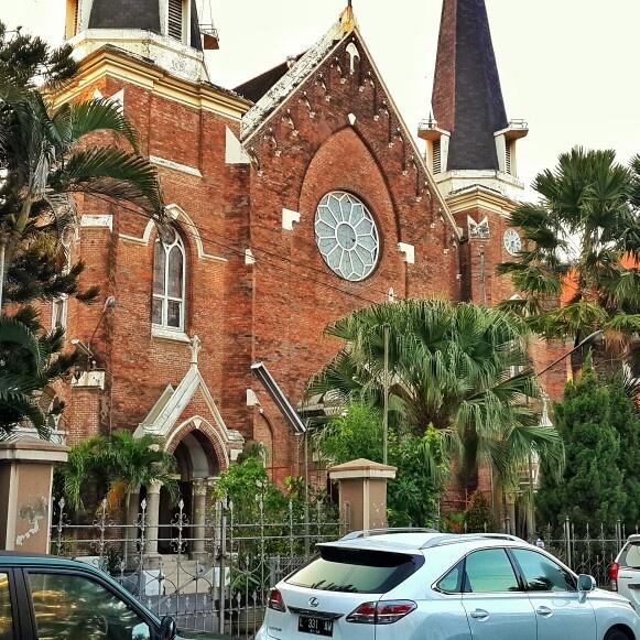 Gereja Katolik Kelahiran Santa Perawan Maria