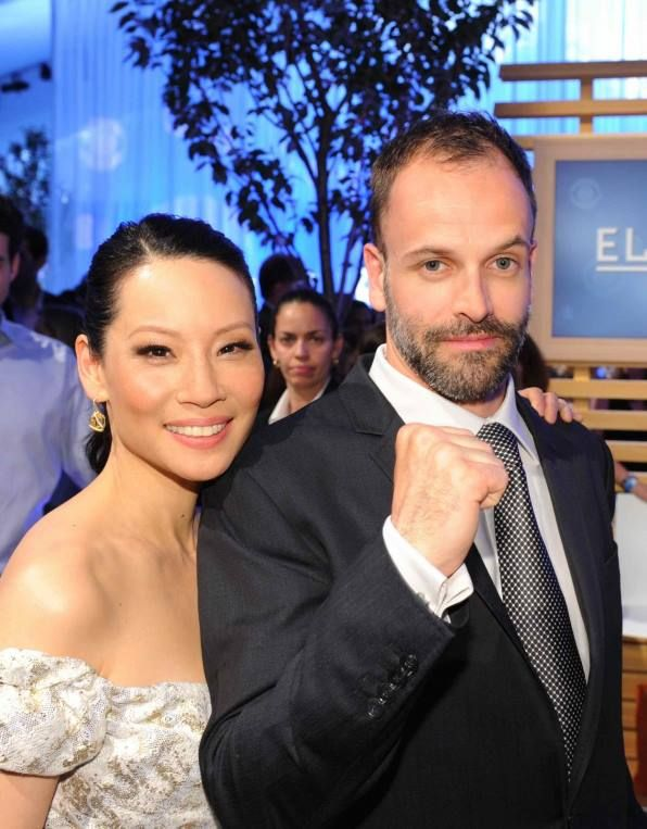 Lucy Liu and Johnny Lee Miller