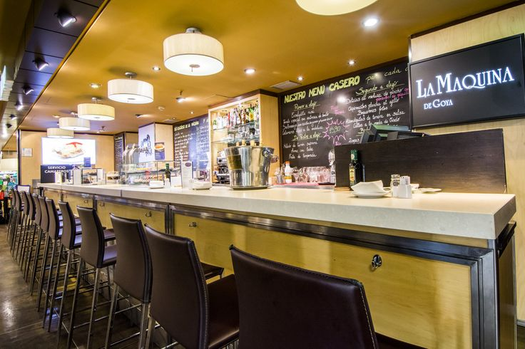 La barra de La Máquina de Goya, para tomar pinchos, tapas, bocatines en el Gourmet Experience de El Corte Inglés