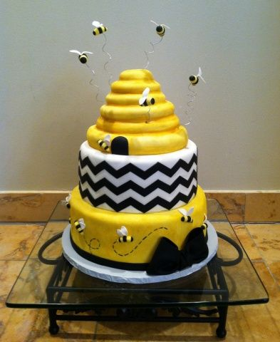 Bumble bee cakes | bumble bee diaper cupcakes baby shower topper cakejpg
