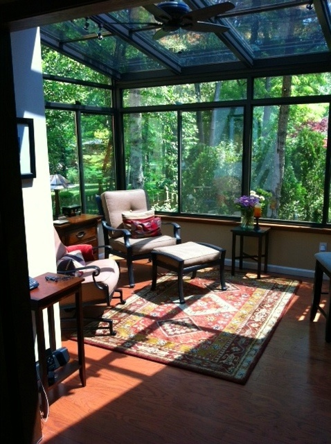 17 best images about sunroom decorating on pinterest for Kitchen with sunroom attached