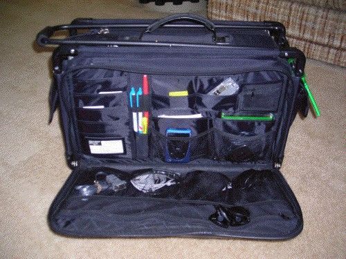 COURT REPORTER STUFF: Gadgets Galore!  (Tutto bag.)  Someone told me about this bag at the 2013 TCRA Convention.  hmmm