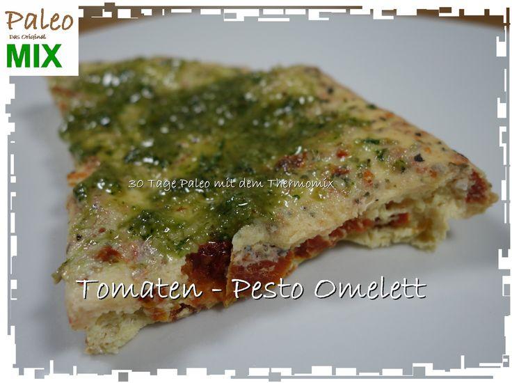 Hier erfahren Sie, wie Sie mit dem Thermomix und Betty's Dampfgarpapier ein leckeres Tomaten Pesto Omelett zubereiten können. Einfach,zusatzfrei,paleo-konform
