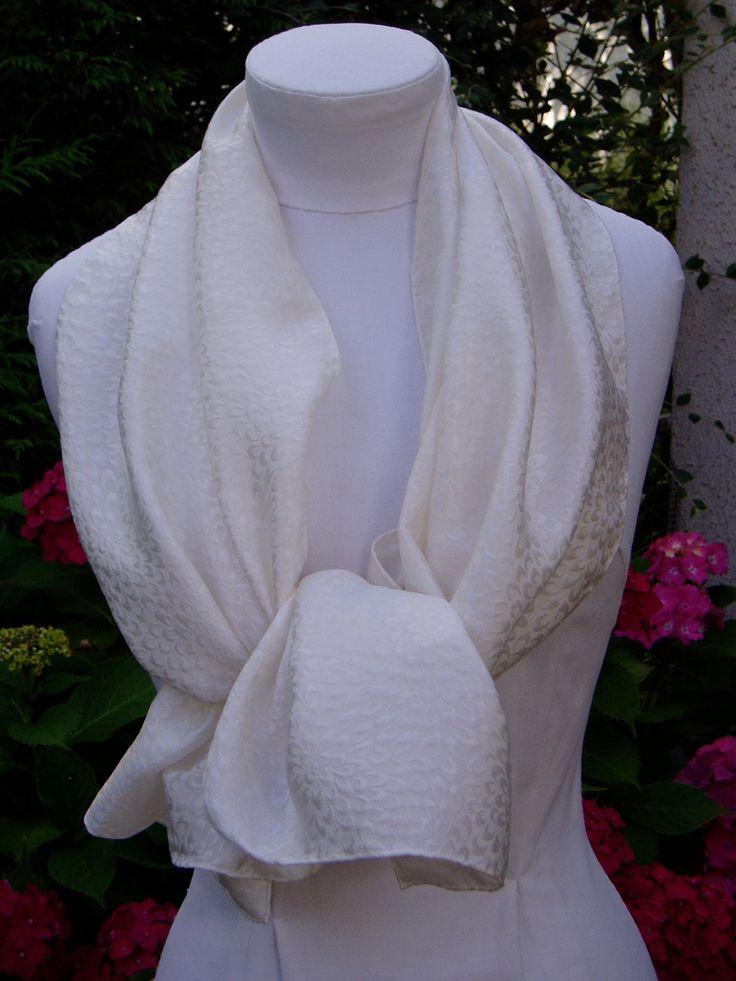 Echarpe, étole en soie brochée blanche : Echarpe, foulard, cravate par toutensoie