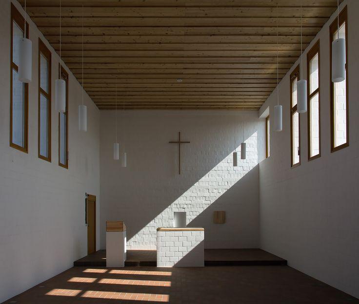 képek: A józanság története - római katolikus templom Újrónafőn