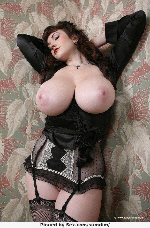 Big asses and tittes