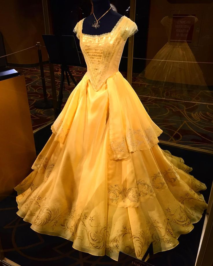"54 Likes, 1 Comments - Lewnartic (@lewnartic) on Instagram: ""OH MY GOD ❤️ #disney #beautyandthebeast #belle #dress"""