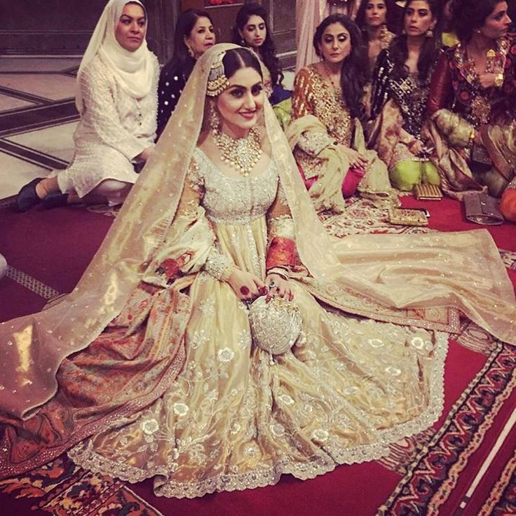 """#pakistanibride """"This bride is so stunning! We're loving everything about her big day look #Repost @paperazzimagazine ・・・ #AnushAmmar at her nikkah today! Photo…"""""""