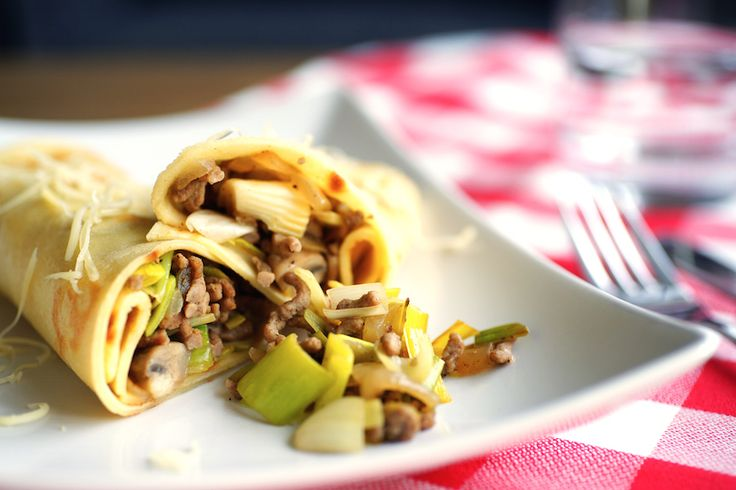 Hartige pannenkoeken met gehakt, prei en champignons