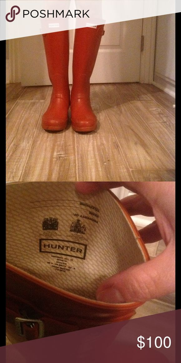 💥FLASH SALE💥 Hunter Boots Burnt Orange rubber boots. Used but in good condition Hunter Boots Shoes Winter & Rain Boots