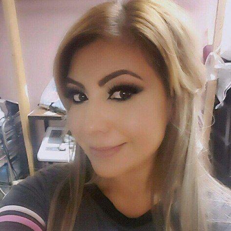 Today #motd couldnt take a pic so i ask her for one i do not edit my pics @anastasiabeverlyhills #modernrenaissance #artistcouture  @maccosmetics #foundation and #concealer @ardell_lashes. #lashes #mua #latina #lashextensions #lashesfordays #eotd #smokeyeye http://ameritrustshield.com/ipost/1549765581744780215/?code=BWB35XpBjO3