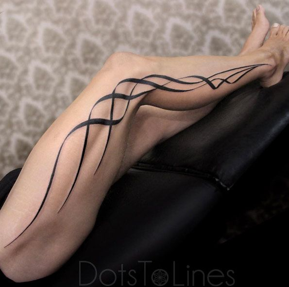 Ribbons on Leg by Chaim Machlev