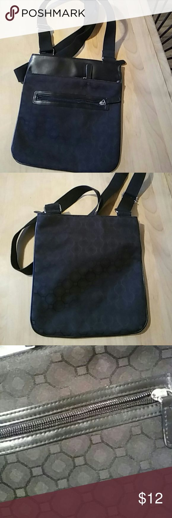 Marks And Spencer purse Like new!  Small, perfect shoulder bag, two outside pockets for phone and keys.  When you just need a small bag Marks and Spencer Bags Shoulder Bags