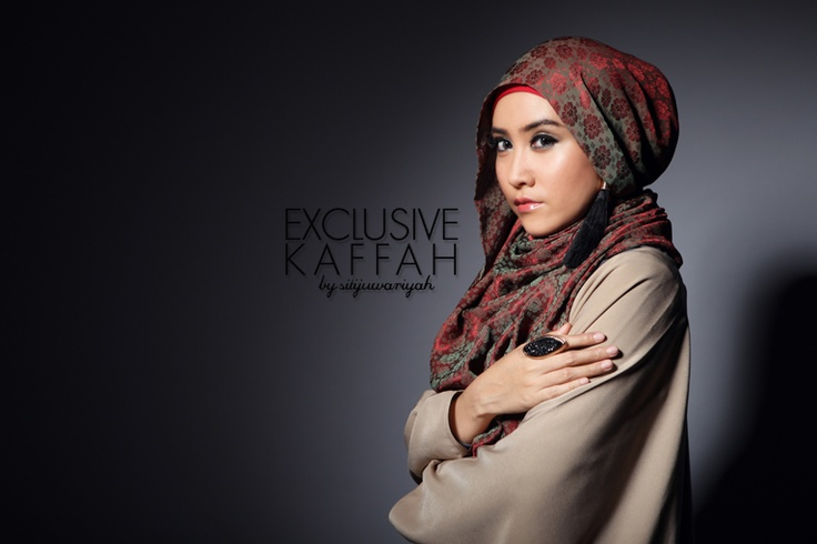 Kaffah by Siti Juwariyah