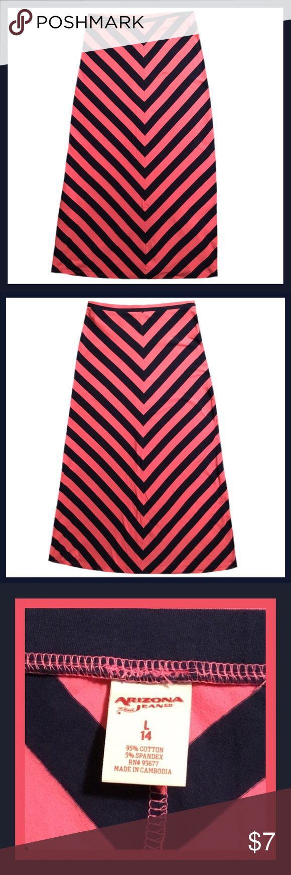 ARIZONA Girl's Long Chevron Skirt ➡️Gently used ARIZONA girl's long chevron skirt.                                                                                         ➡️Size 14                                                                                                                                 ➡️BUNDLE AND SAVE Arizona Jean Company Bottoms Skirts