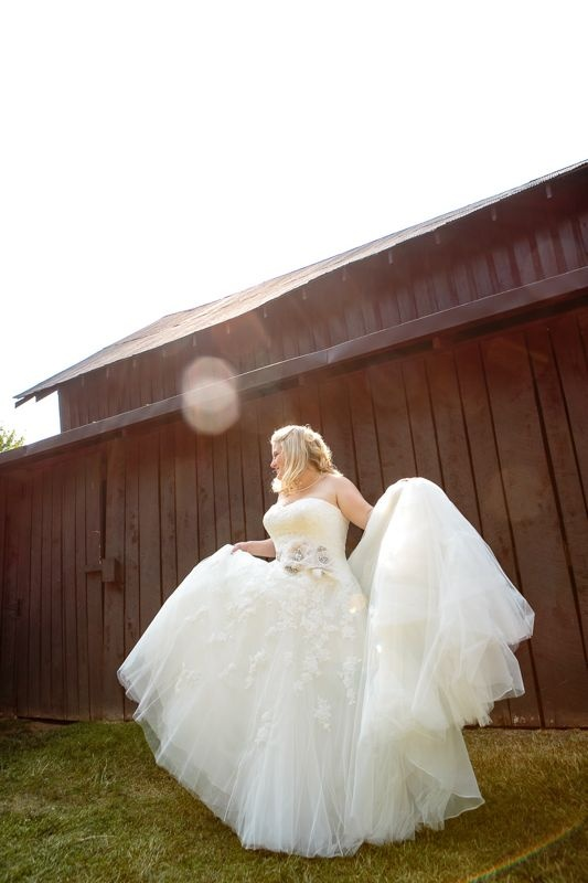 A bride and her beautiful dress! Cedarwood Weddings
