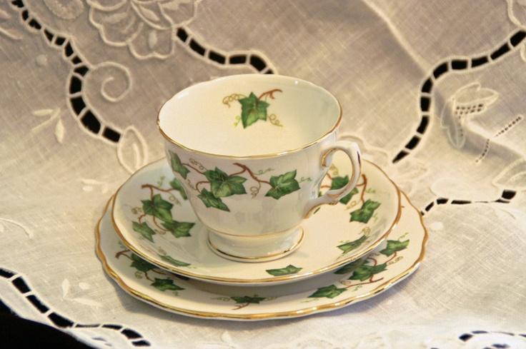 Colclough English Ivy Leaf Trio