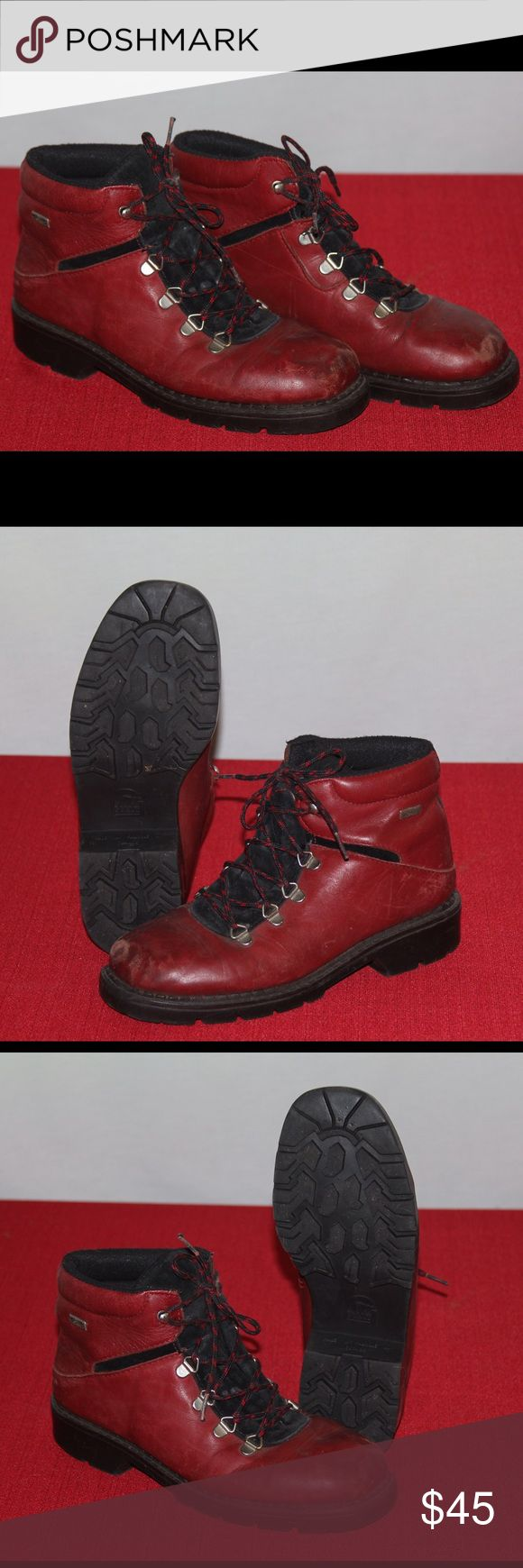 Sorel Winter mid top Boot 7.5 women's Red My old boots, used for a few winters still have plenty of life left in them Sorel Shoes Winter & Rain Boots