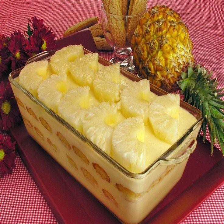 O Pavê de Abacaxi fica delicioso e bem molhadinho. É uma sobremesa leve e ideal…