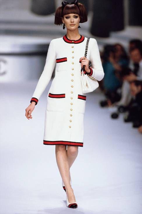 Chanel Haute Couture Fall Winter 1995  Chanel Haute Couture Fall Winter 1995  Chanel fashion