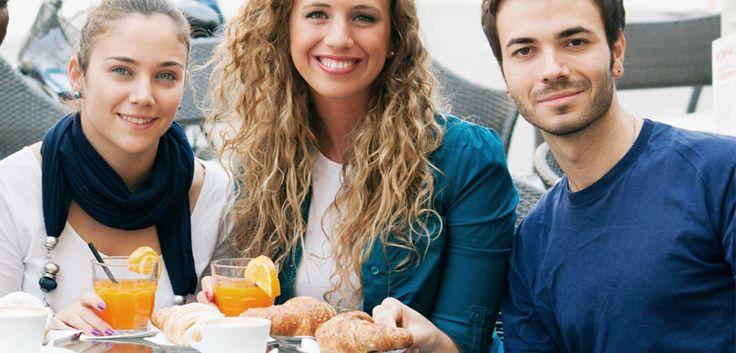 """Cento anni di passione per il caffèScegliere  TAG vuol dire scegliere """"Made in Italy"""": il gusto delle miscele calibrate da un palato esperto e raffinato, e la competenza di tre generazioni al servizio di una clientela esigente.Gli italiani, si sa, amano il loro caffè: la tazzina del risveglio, della pausa, del dopo-pasto, ogni momento è buono per mettere la moka sul fornello o entrare in un bar e ordinare un espresso, fa parte di noi e della nostra """"dolce vita""""!"""