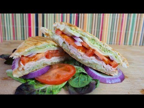 Sándwich (Panini) de Pavo y Salsa Pesto - Mi Cocina Rápida