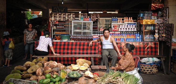 Fruits, vegetables, snacks, beverages and friendly people await visitors to the traditional markets in Bali