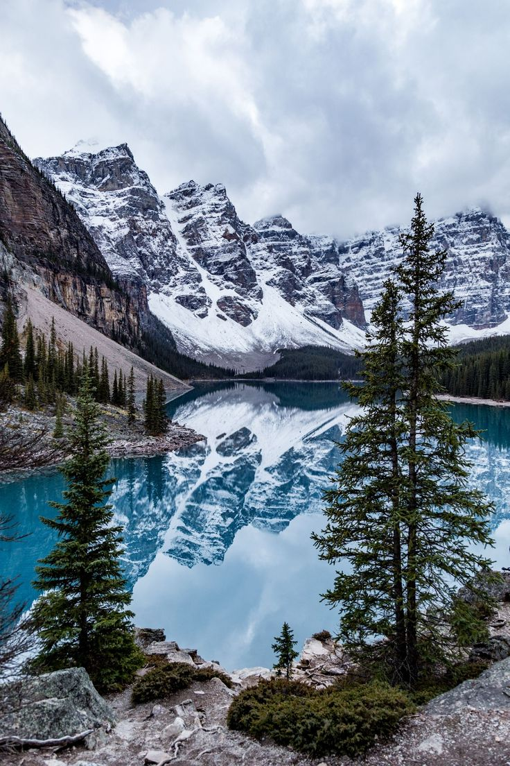 The stunning Moraine Lake in Banff National Park, …