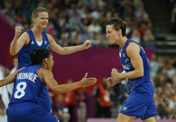 Les joueuses de l'équipe de France de basket, lors de leur victoire en demi-finale des Jeux olympiques, le 9 août 2012