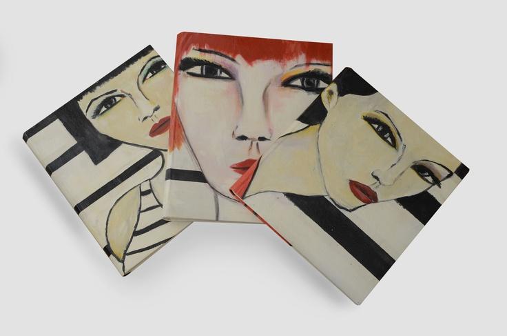 PINTURAS ALBUM: Tapas de lienzo pintadas con acrilico y laqueadas, el interior es un album de fotos con papel libre de acido.