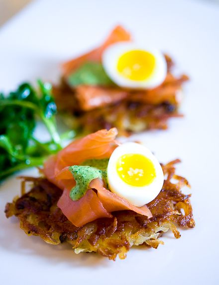 POTATO LATKE W/ SMOKED SALMON, SOF BOILED QUAIL EGG & WATERCRESS CREAM