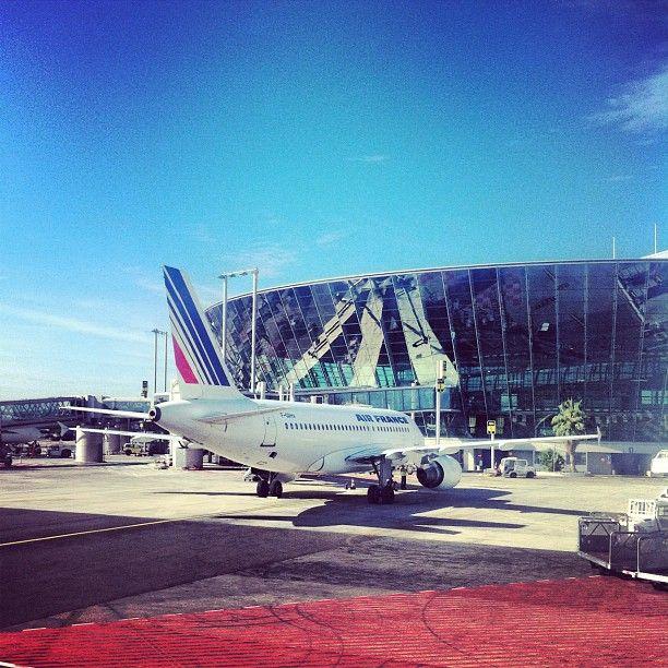 Aéroport de Nice Côte d'Azur (NCE) vol pas cher au départ de Nice.  www.trouvevoyage.com