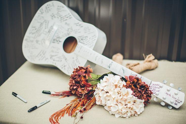 Hola a tod@s, La preparación de nuestra boda nos lleva ilusionadas (y a veces con los nervios a flor de piel) durante meses! El vestido, el ramo, los detal