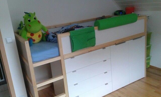 1000 images about kinderzimmer mit dachschr ge auf. Black Bedroom Furniture Sets. Home Design Ideas