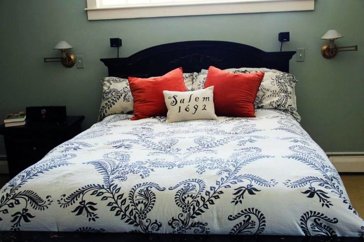 Halloween bedroom decorating ideas for a spooky celebration - Halloween doesn't mean everything should be black and dull. Add few bright colors to pop up the theme. You can buy orange or red pillow covers and some year-printed pillow covers to create effect of graves. Isn't it bone chilling?