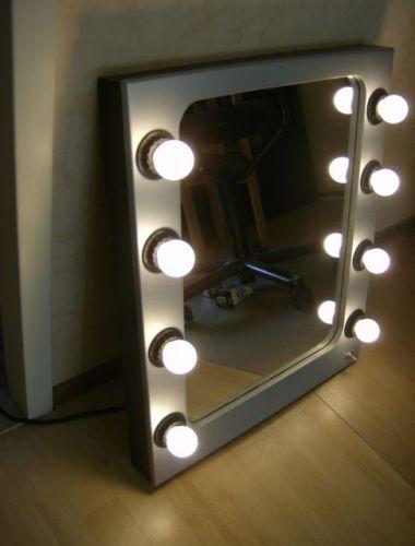 Verlichte visagie(theater)spiegel