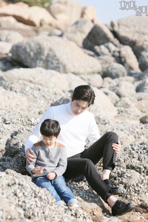 Suho - 170210 MBC 'The Universe's Star' website update Credit: MBC. (MBC '우주의 별이')