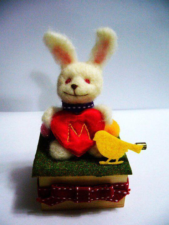 Rabbit music box made of wool