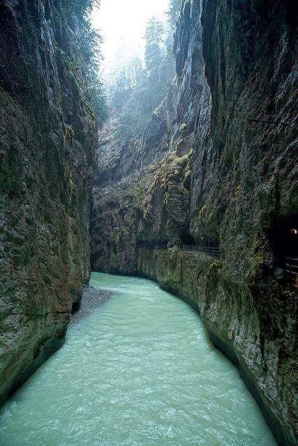 Aareschlucht canyon walk, Switzerland. Spent a beautiful afternoon here.