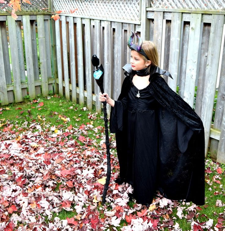 Image from http://www.northstory.ca/wp-content/uploads/2014/10/DIY-Maleficent-Costume-northstory1.jpg.
