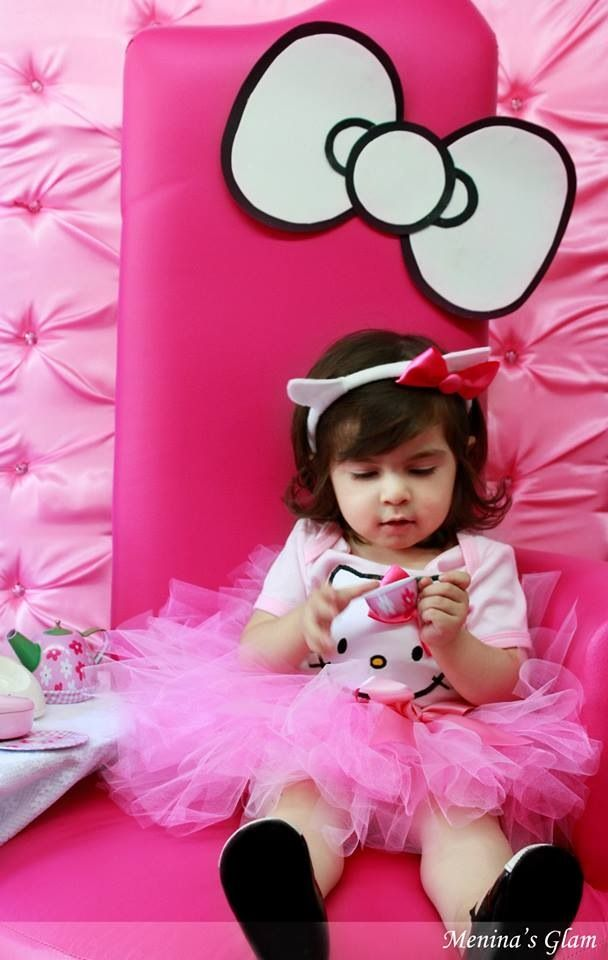 Hello Kitty Birthday Party Ideas - decoration idea? Maybe in pink for bday girl?