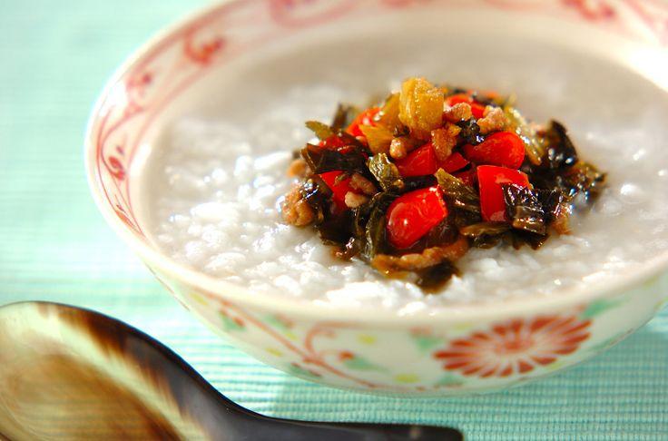 高菜の漬け物の塩加減が絶妙。しっかり食べたい人に。高菜とひき肉のお粥[和食/ご飯もの(寿司、ご飯、どんぶり)]2012.02.13公開のレシピです。